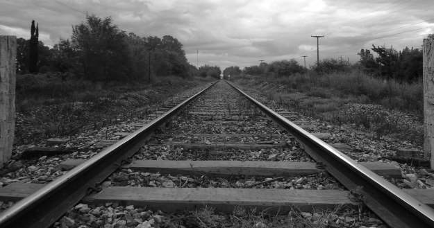 train_tracks_by_nelson2550-d4rsleb[1]